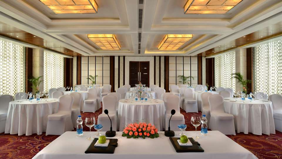 Banquet halls in LUcknow, Golden Tulip, Business hotel in Lucknow
