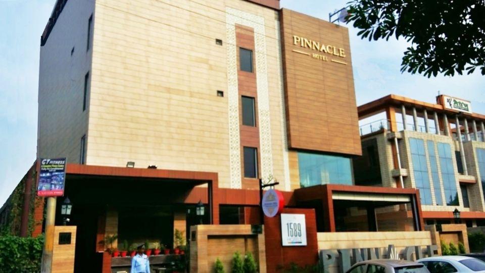 pinnacle-facade