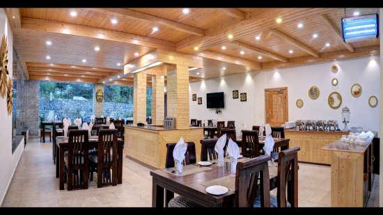 Restaurant Summit Chandertal Regency Hotel Spa Manali Hotels in Manali