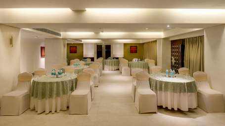 CHANCERY CLUSTER SEATING