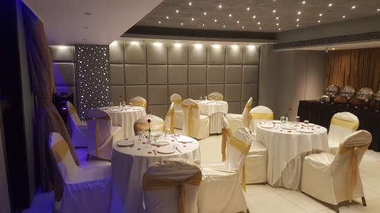 Banquet Hall Dragonfly Hotels Service Apartments Andheri Mumbai