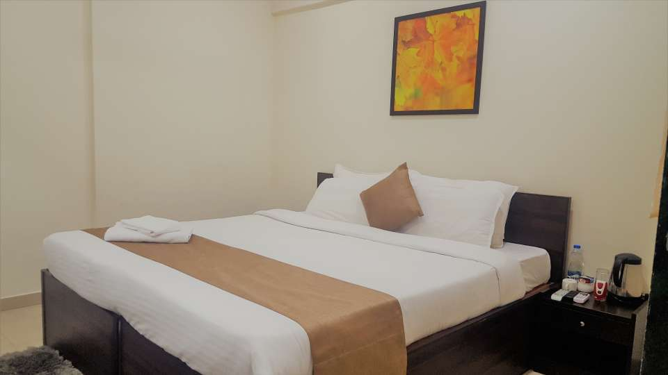 Rooms in Anderi East, Restaurant in Andheri, Dragonfly hotel in Andheri