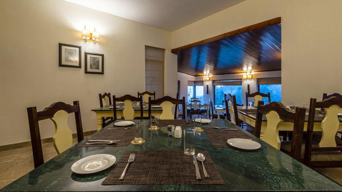 LARISA-Dining5