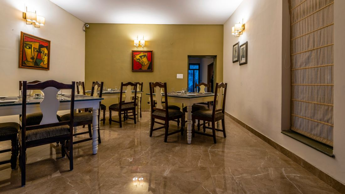 LARISA-Dining6