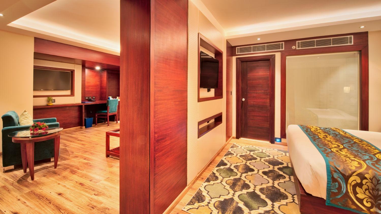 Spacious rooms in Jaipur, rooms near Jaipur railway station, Golden Tulip Essential, Jaipur