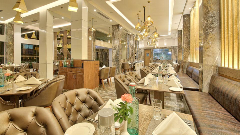 Best restaurants in Jaipur, Places to eat in Jaipur, Golden Tulip Essential, Jaipur