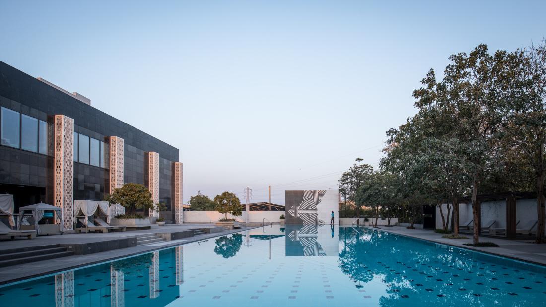Karma Lakelands Swimming Pool in Gurgaon Resorts with Swimming Pool in Gurgaon Pool Villas in Gurgaon 30