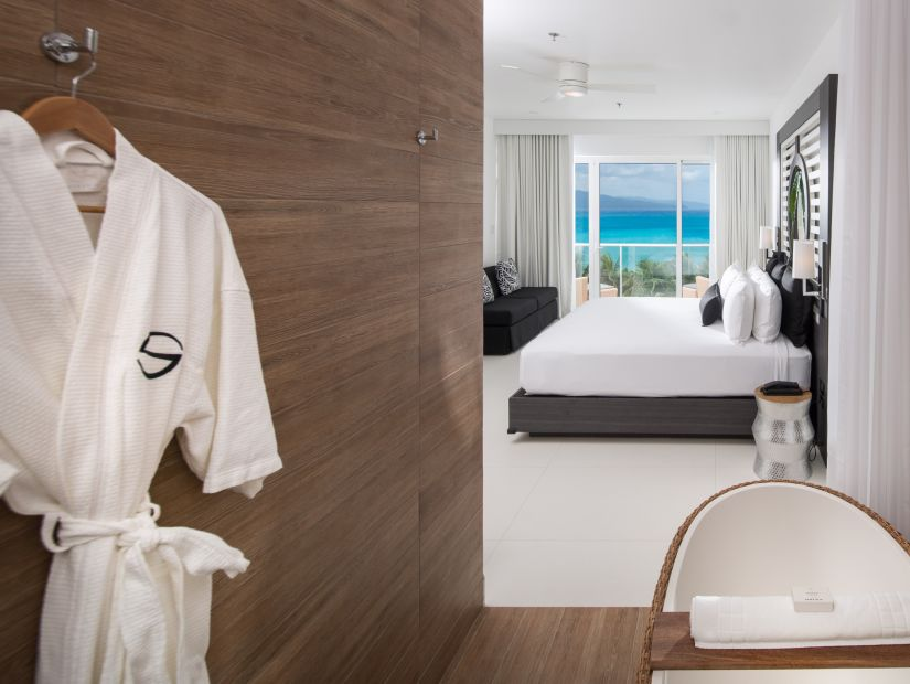 Sky Club Spa Suite, Accommodation in Montego Bay, S Hotel Jamaica 2