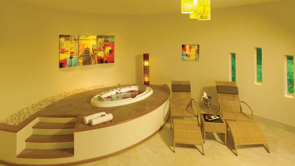 Prive Suite at Poetree Sarovar Portico Thekkady, thekkady hotels 5