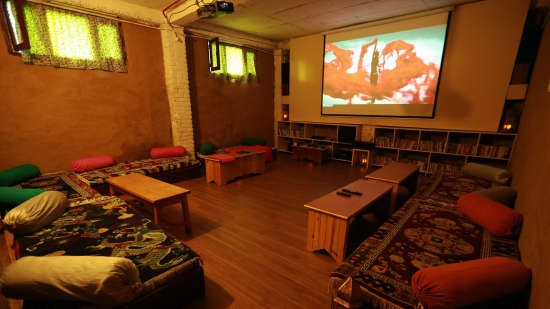 Audio Visual room LaRiSa Mountain Resort Manali - Manali Hotels