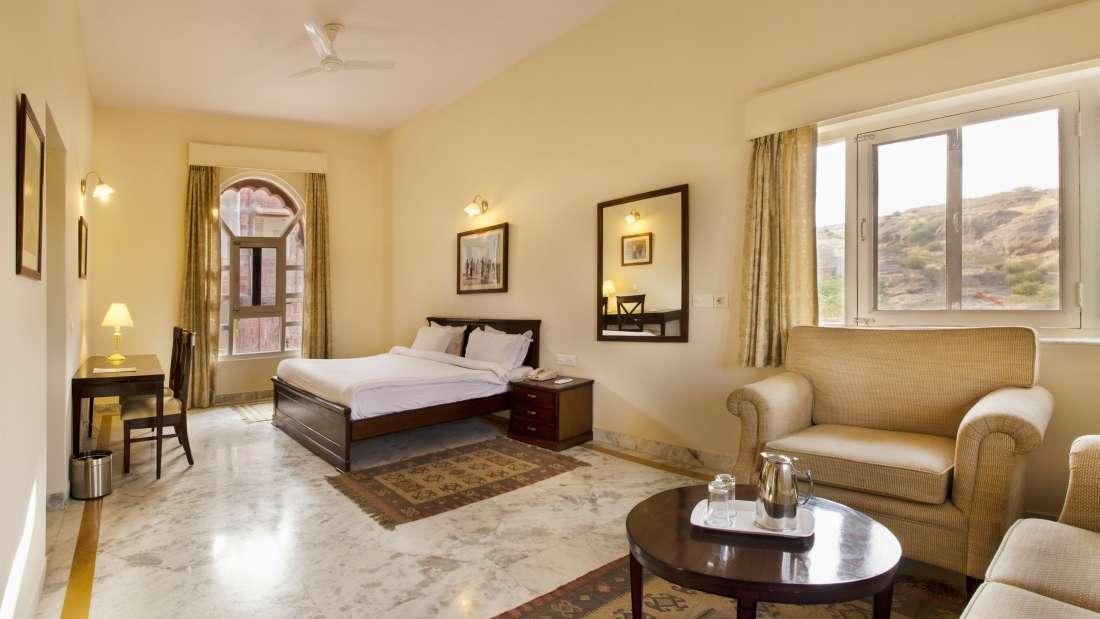 Vintage Rooms at Bijolai Palace Hotel Jodhpur- Hotel in Jodhpur8