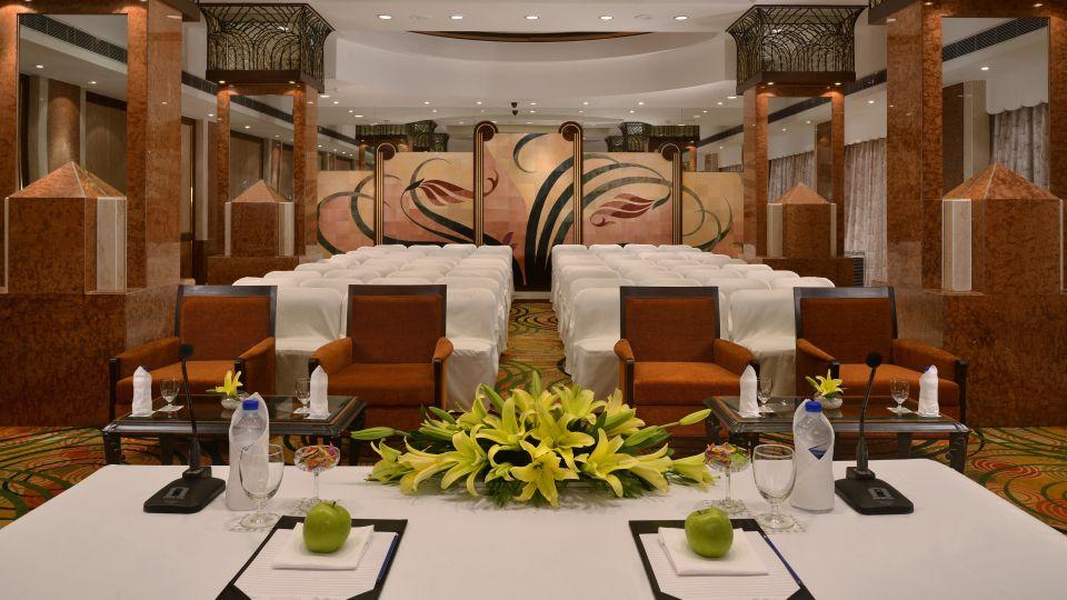 Facilities , Hotel Marine Plaza Mumbai 3