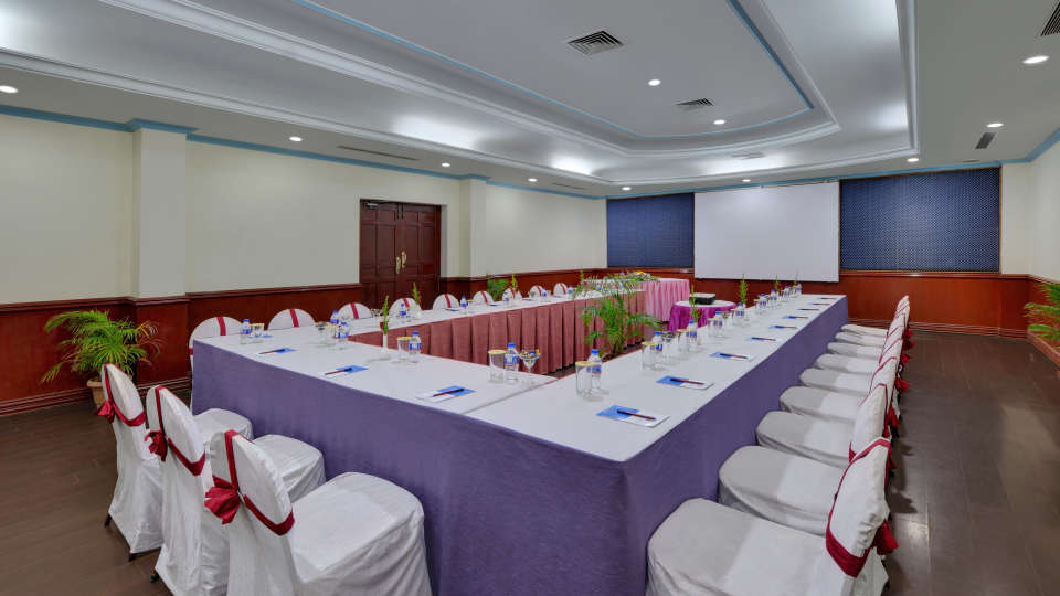 Banquet Hall in Tiruchirappalli at the SRM Hotel 3