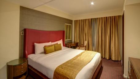 Hotel Z Luxury Residences, Juhu, Mumbai  Mumbai pent house bed2