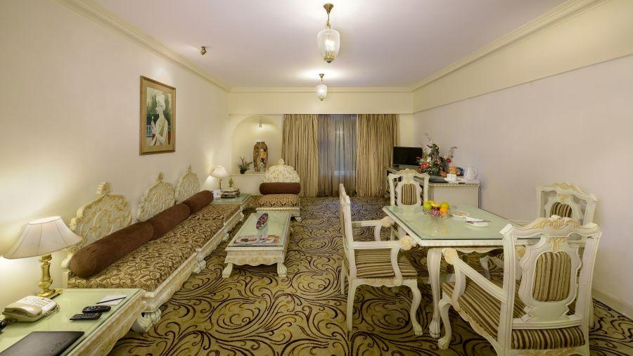 Suite room a
