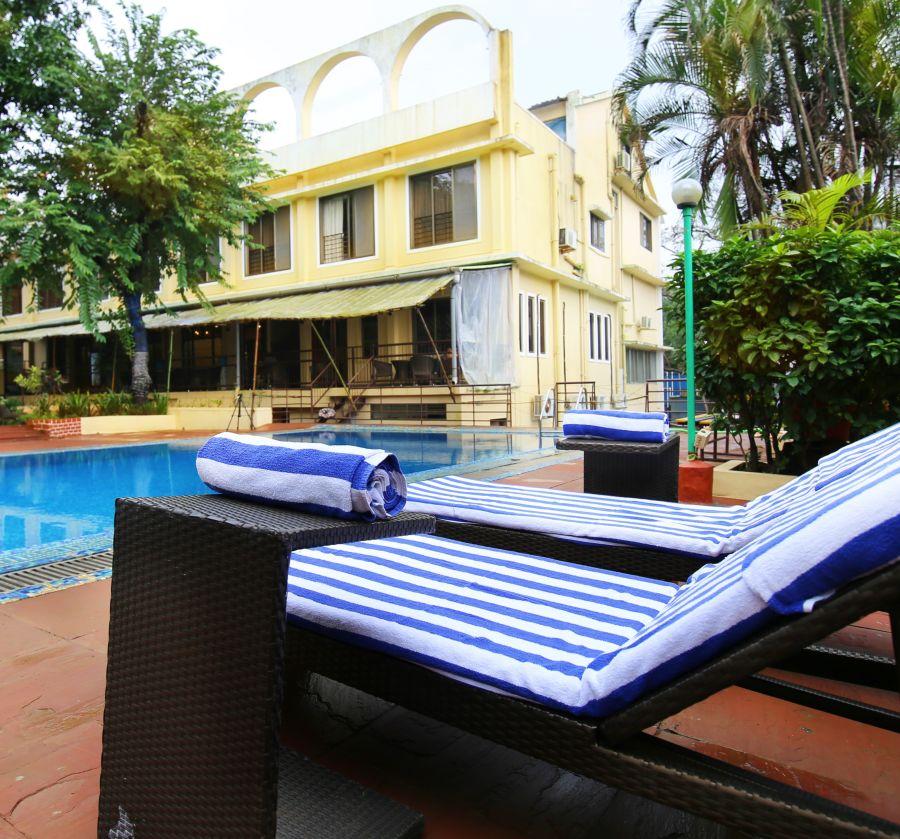 alt-text Swimming Pool Zara s Resort Resort In Lonavala 9