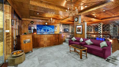 Reception at The Manali Inn Hotel 1