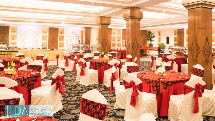 banquet halls in lucknow, Swarn Mahal at clarks avadh 5 star hotel in lucknow