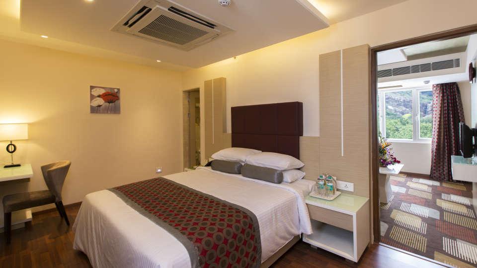 Hotel Pai Viceroy, Tirupati Tirupati Hotel Pai Viceroy Tirupathi Suite 1