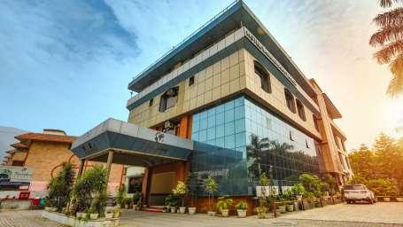Facade at Hotel Vasundhara Palace Rishikesh 2