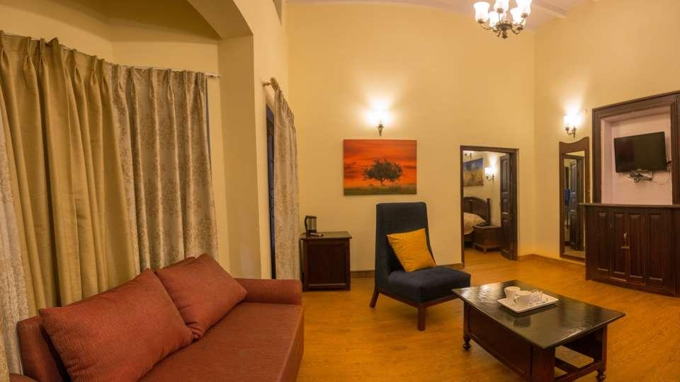 The Pavilion Hotel, Nainital Nainital IMG 0041-Pano