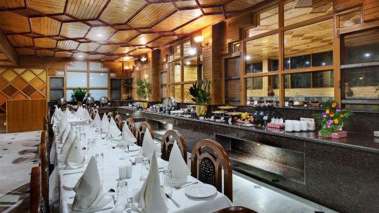Buffet at The Manali Inn Hotel