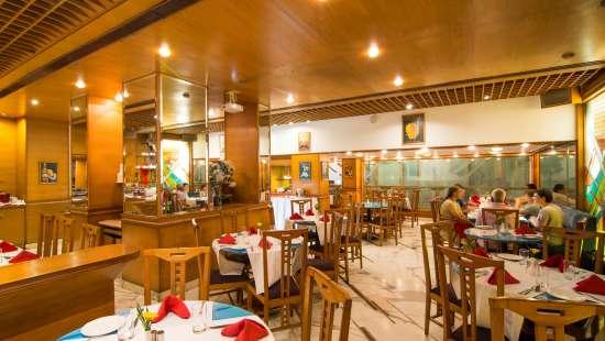Restaurant In Mumbai City Center, The Ambassador Mumbai, Hotels Near Churchgate Railway Station 7