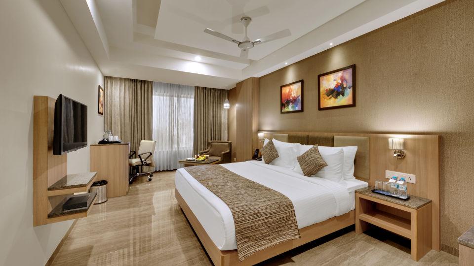 Executive Double Bed at Anaya Beacon Hotel in Jamnagar 3