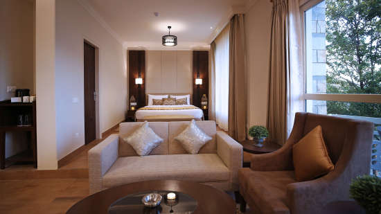 Luxury Room Summit Thistle Villas Luxury Spa Resort Mashobra 2