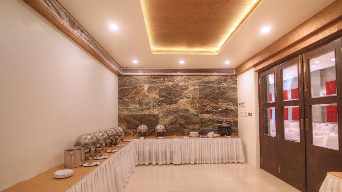Banquet Hall Hotel Devraj Niwas Jaipur 2