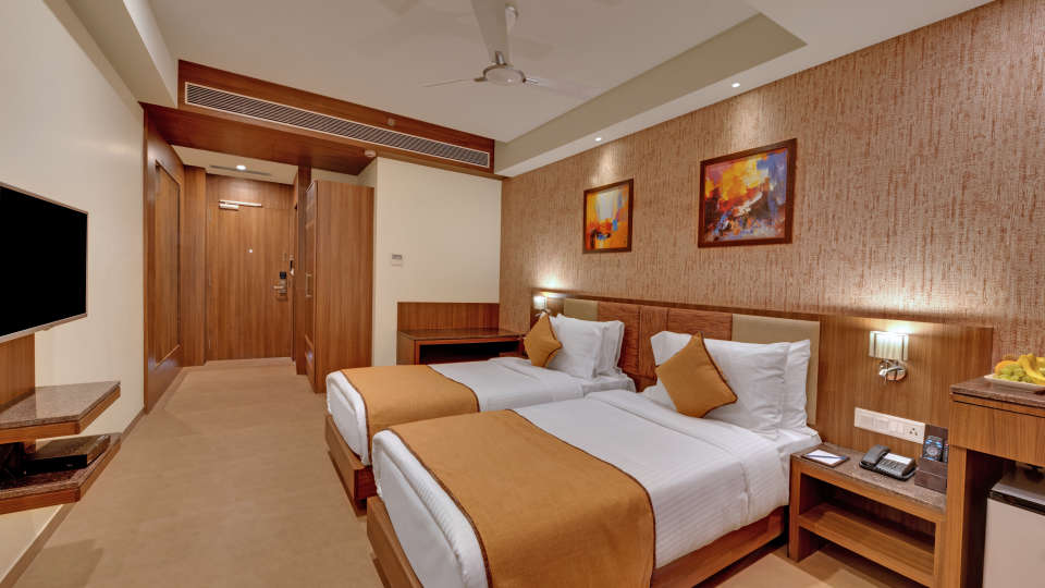 Deluxe Twin Bed at Anaya Beacon Hotel in Jamnagar 1