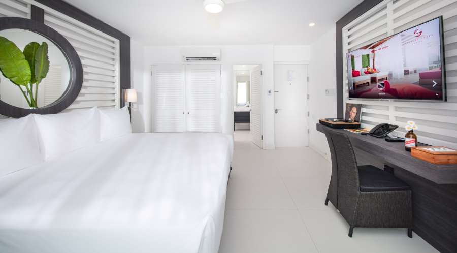 alt-text Essential City View King , S Hotel Jamaica, Accommodation in Montego Bay 2