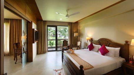 Lake View Suite Room 3
