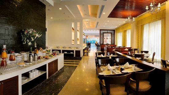 Cafe 55 at Park Inn, Gurgaon - A Carlson Brand Managed by Sarovar Hotels, gurgaon hotels 5