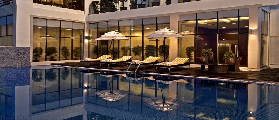Swimming Pool, Golden Tulip, Hotel in lucknow
