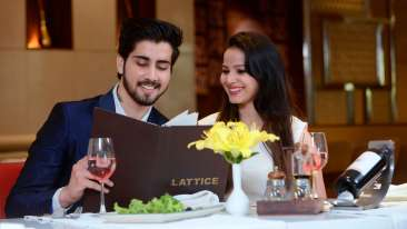 Fizz Restaurant at Crystal Sarovar Premiere Agra 5 star hotels in Agra