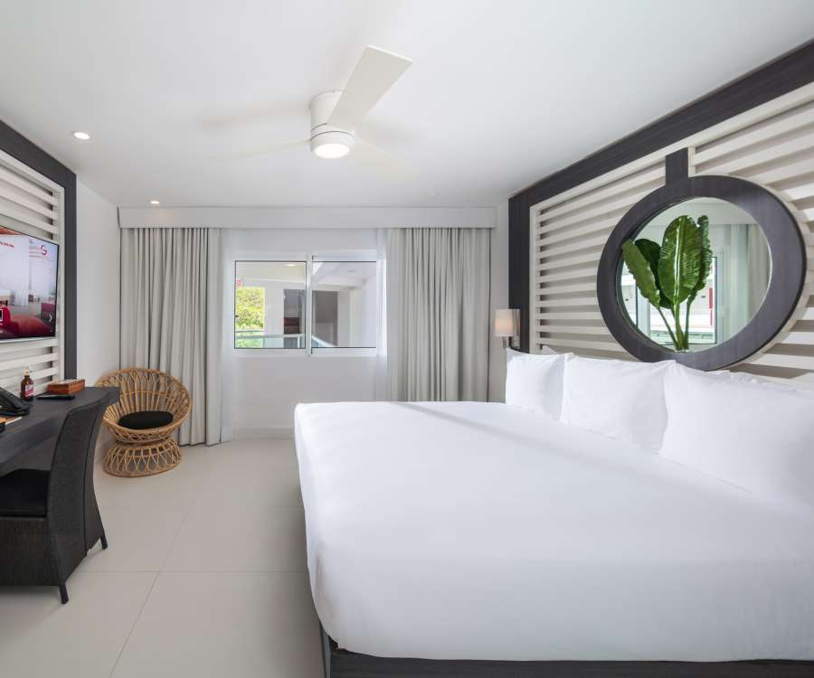 alt-text Essential City View King , S Hotel Jamaica, Accommodation in Montego Bay 3