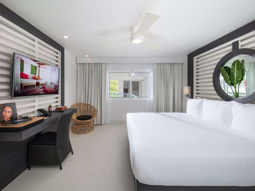 Essential City View King , S Hotel Jamaica, Accommodation in Montego Bay 3