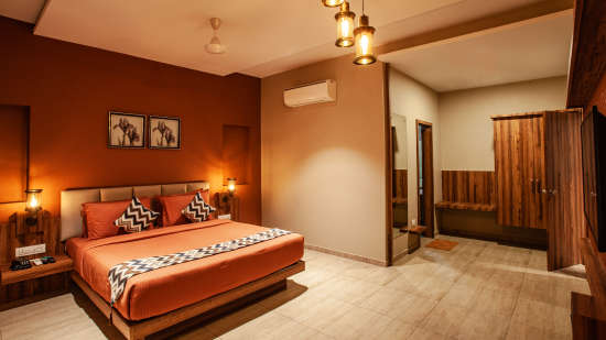 Mango Club, Mango Hotels Select Dwarka