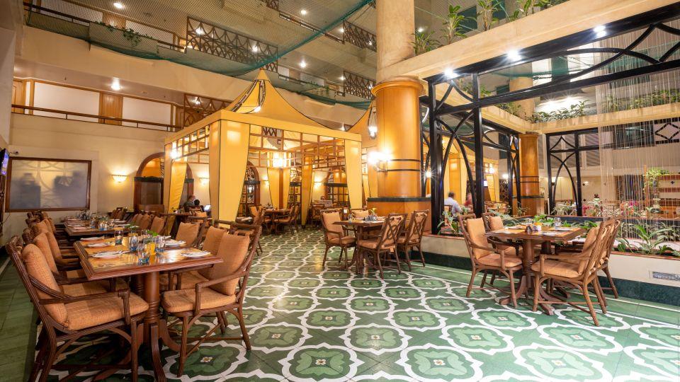 Restaurant in Vile Parle, Orchid Hotel Mumbai Vile Parle, Hotel Near Mumbai Airport 1215