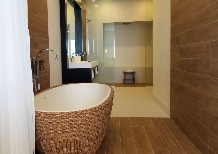 alt-text Sky Club Ocean View Spa Suite, S Hotel Jamaica, Accommodation in Montego Bay 4