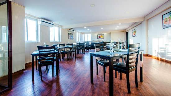 Restaurant, Hotel Mint Downtown, Hotel In Koramangala