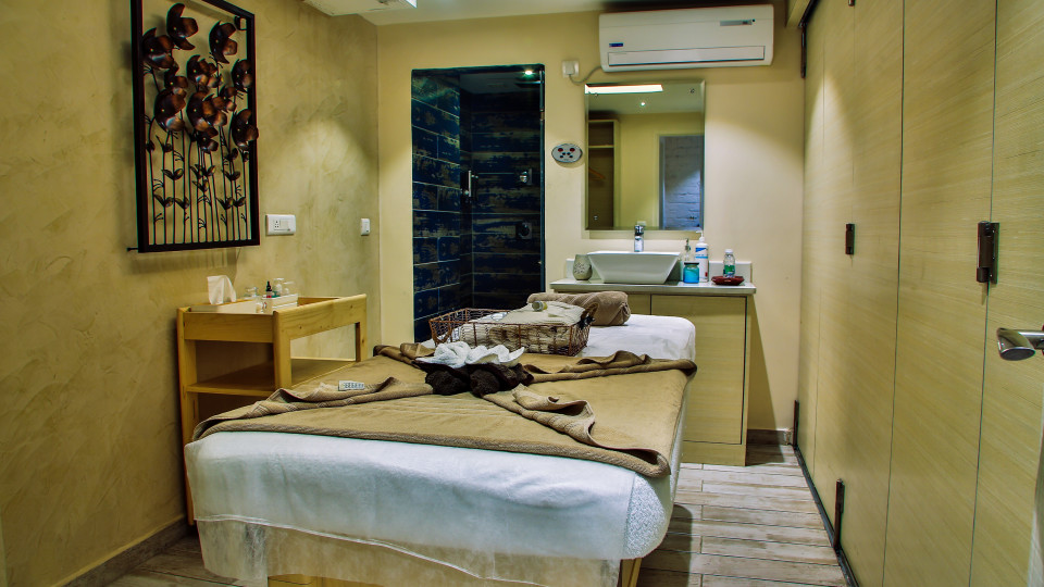 Kairos Saloon Spa at Hotel Daspalla Hyderabad Hotel in Hitech City 2