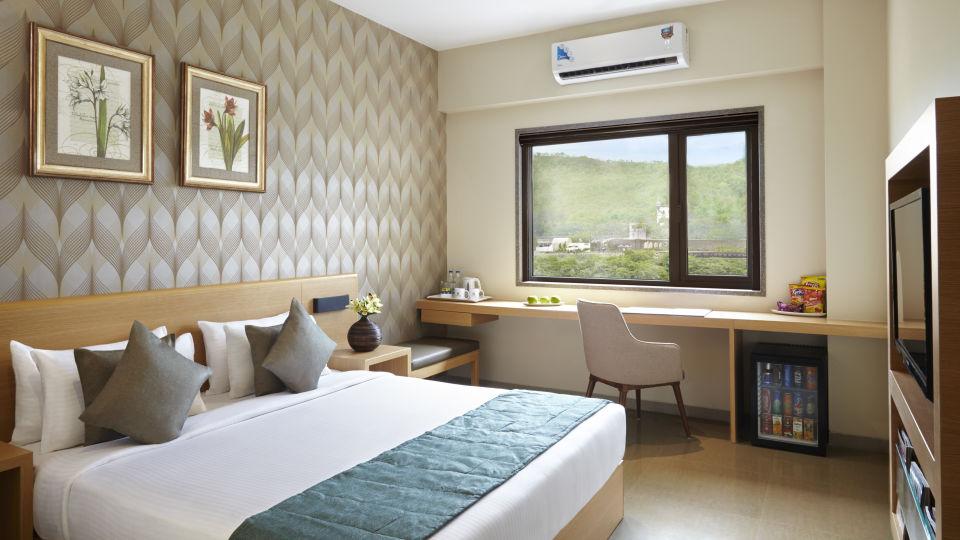 Click Hotels re 10469