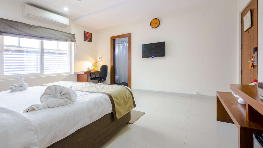 Superior Rooms in Hyderabad Jupiter One Continent Hitec City Hyderabad 6