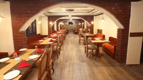 restaurant Summit Hermon Resort and Spa Darjeeling