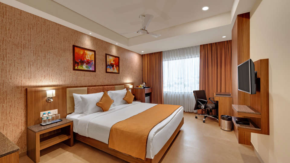Deluxe Double Bed at Anaya Beacon Hotel in Jamnagar 2