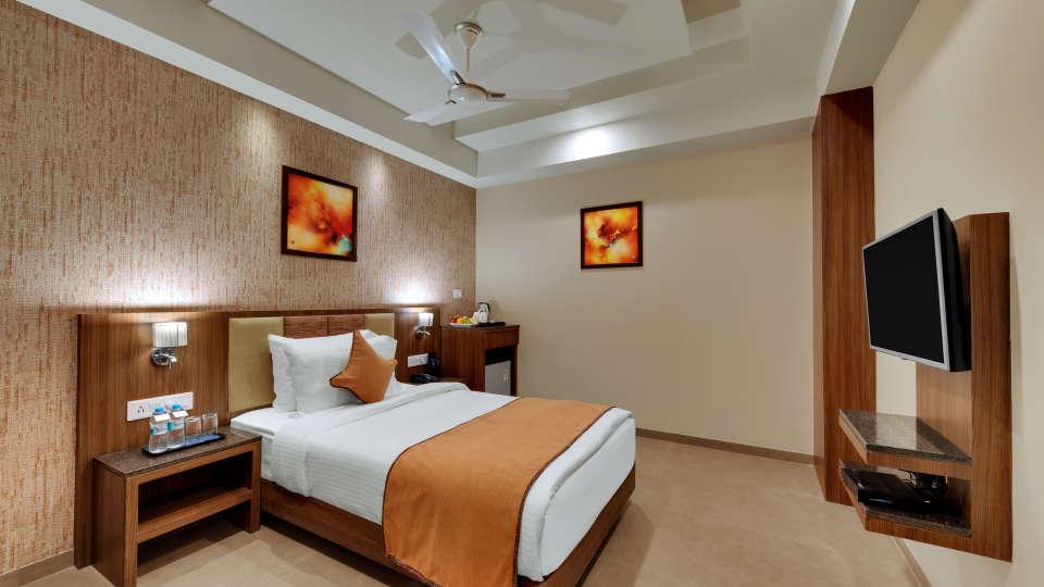 Deluxe Single Bed at Anaya Beacon Hotel in Jamnagar 2