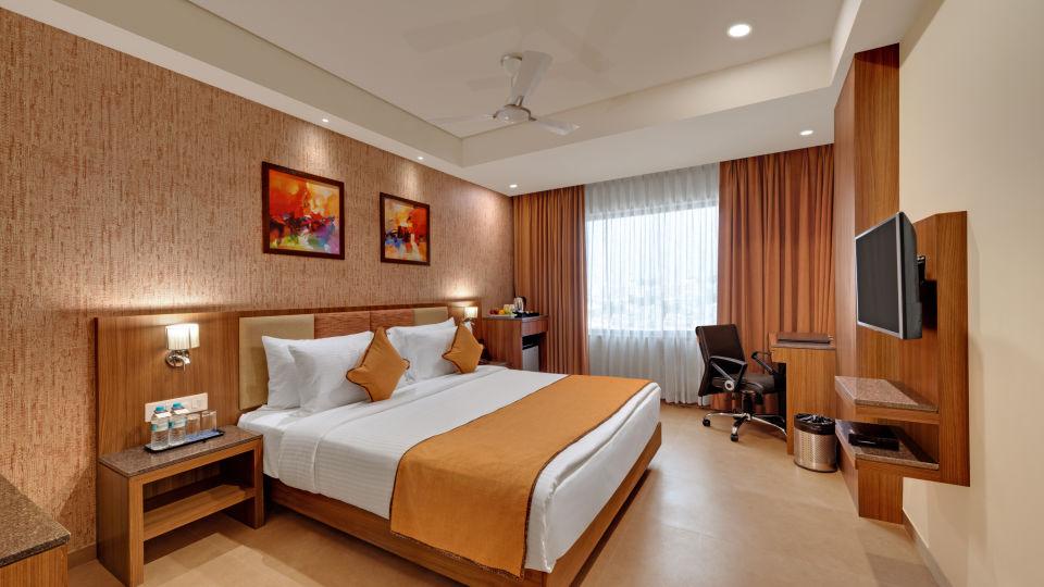 Deluxe Double Bed at Anaya Beacon Hotel in Jamnagar 2