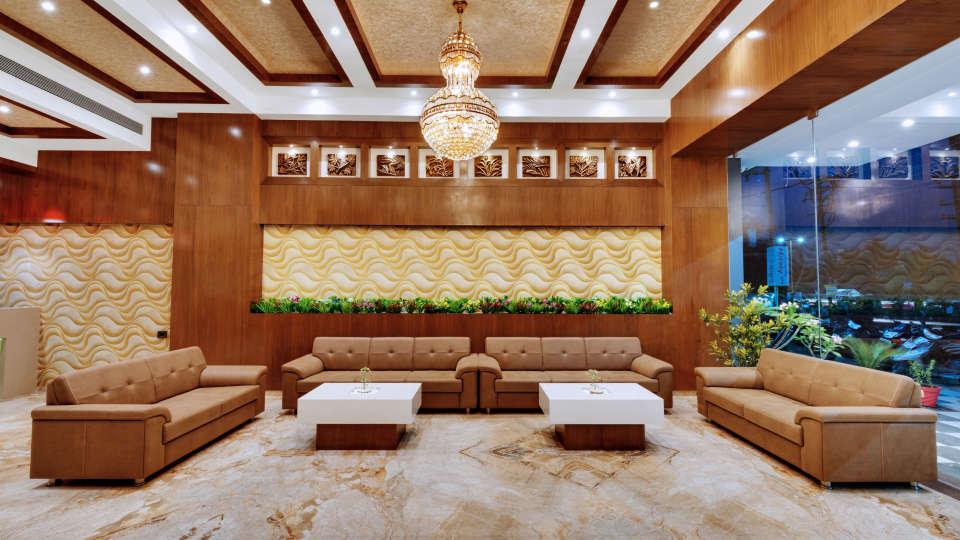 Lobby of Anaya Beacon Hotel in Jamnagar 3